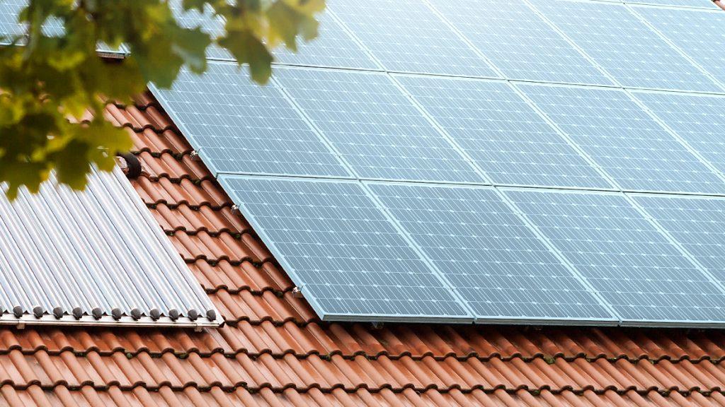 Auch bestehende Gasheizungen können mit einer Solartherme ergänzt werden