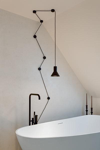 wenn sie sich ein designerbad w nschen lassen sie sich von diesem ganz besonderen bad. Black Bedroom Furniture Sets. Home Design Ideas