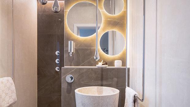 g astebad mit toller raumwirkung vom meister der elemente. Black Bedroom Furniture Sets. Home Design Ideas