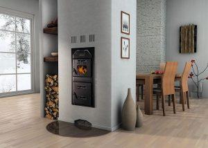 Mit den richtigen Heizeinsätzen kann im Wohnzimmer das Flammenspiel der Biomasseheizung genossen werden. Foto: Buderus